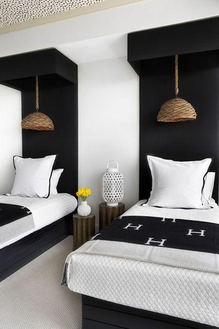 twin beds B&W