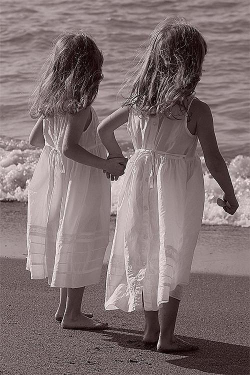 sister love2