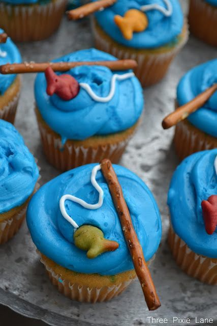 Fishing Cupcakes with pretzel fishing rod
