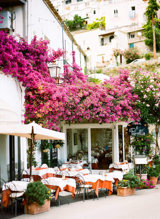 Outdoor-Dining-in-Positano-Italy