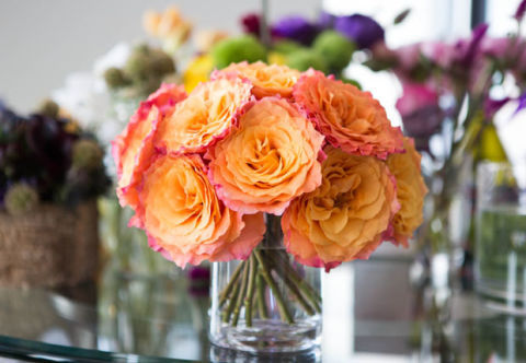Twisted Boquet of Yellow Roses with Peach Tips