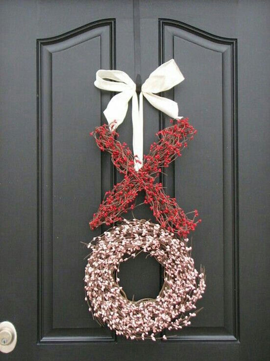XO Valentine Door Wreath | Read the post for more Valentine's Day Party Decorations