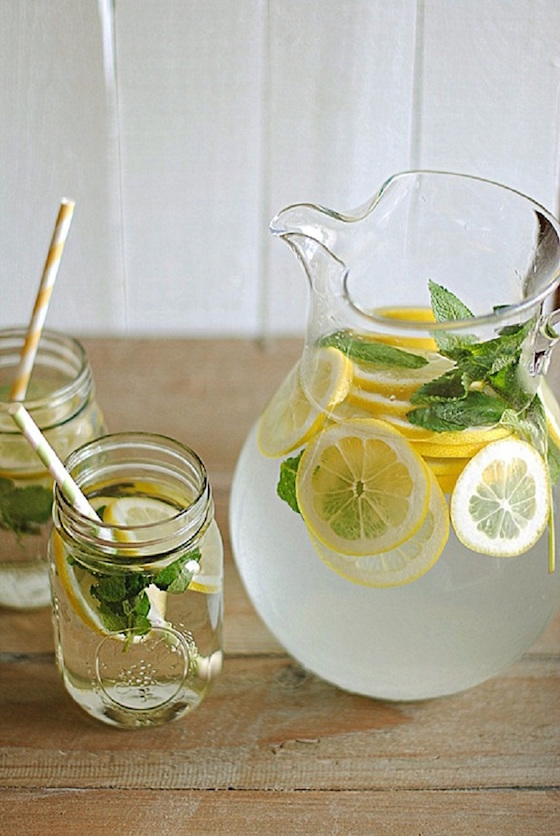 Add the freshly squeezed juice of 1 lemon (you can add more lemon juice if you like a stronger lemon flavour) Slice your 2 lemons and add to the jug/pitcher; Add the fresh mint to your jug/pitcher (you can use a rolling pin to lightly bruise/crush the mint leaves to release the added flavor of mint.