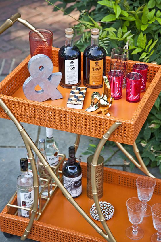 the portable bar chic bar carts butler trays. Black Bedroom Furniture Sets. Home Design Ideas