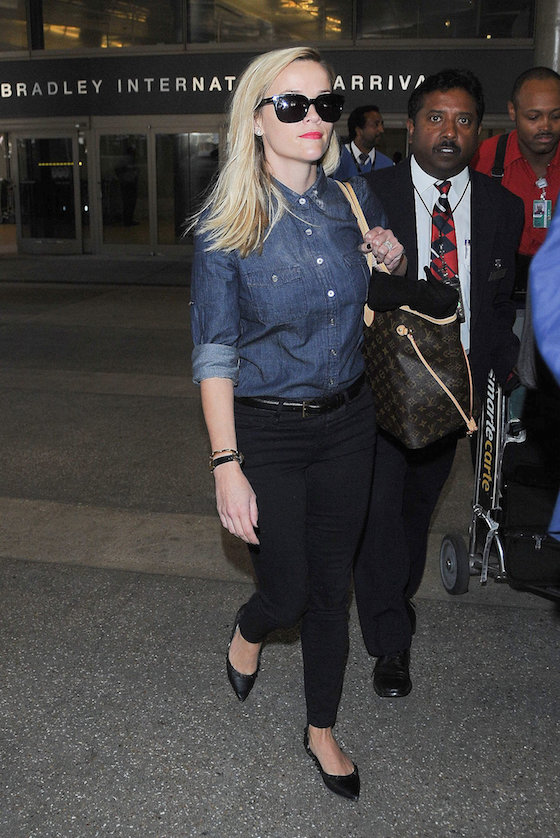 Reese Witherspoon Airport Look