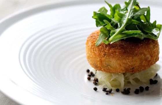 Salmon-fish-cakes-with-rocket-capers-and-lime-dressing