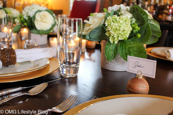 I love using place cards for my dining room table.  I try to mix up the guests and don't have couples sit next to each other for better conversation and mingling. | Merry & Bright Holiday Home Tour, Week 2