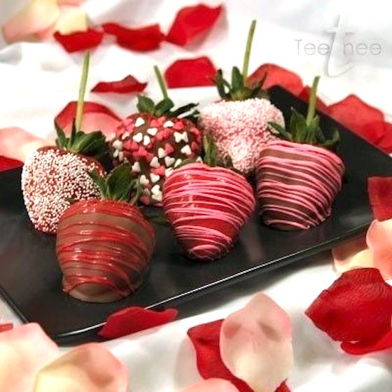 Chocolate Covered Strawberries for Valentines Day - More on the blog