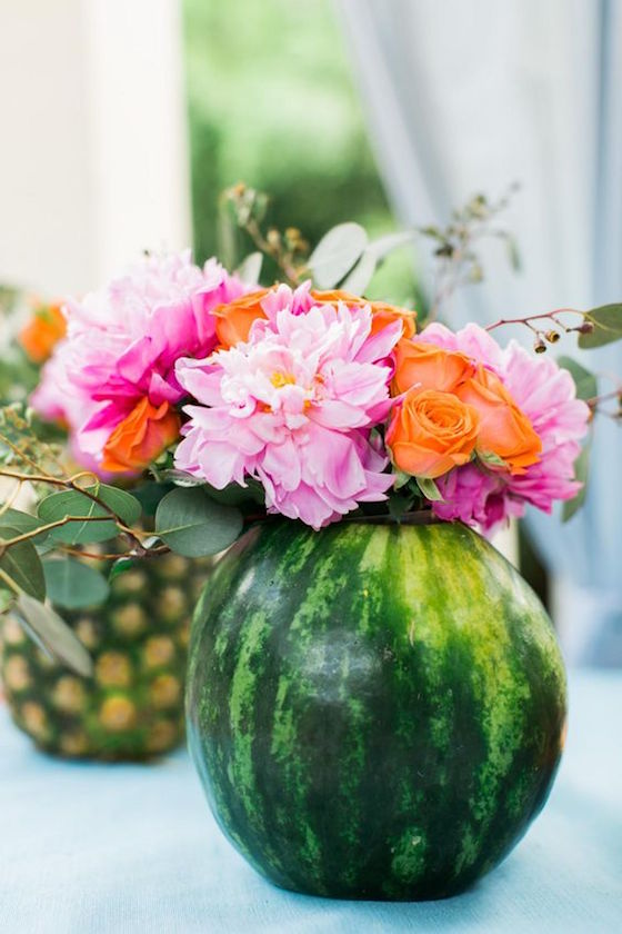 Summer centerpieces using fruit for vases omg lifestyle