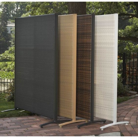 18 attractive privacy screens for your outdoor areas omg for Temporary privacy screen