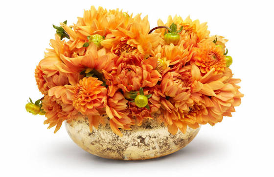 8 Unique Thanksgiving Centerpieces | Gold Bowl for Elegant Thanksgiving Centerpiece