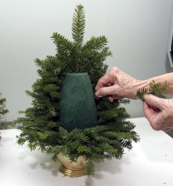 Make a tabletop Christmas tree with leftover trimmings