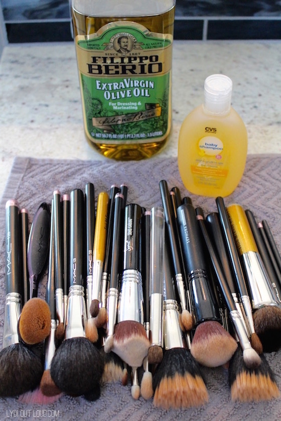 The best way to clean your make up brushes
